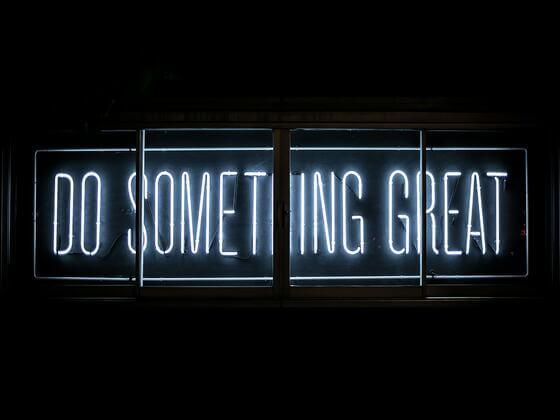 Do Something Greatのネオン